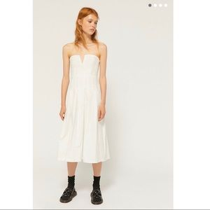 Urban Outfitters Anna Pleated Strapless Midi Dress